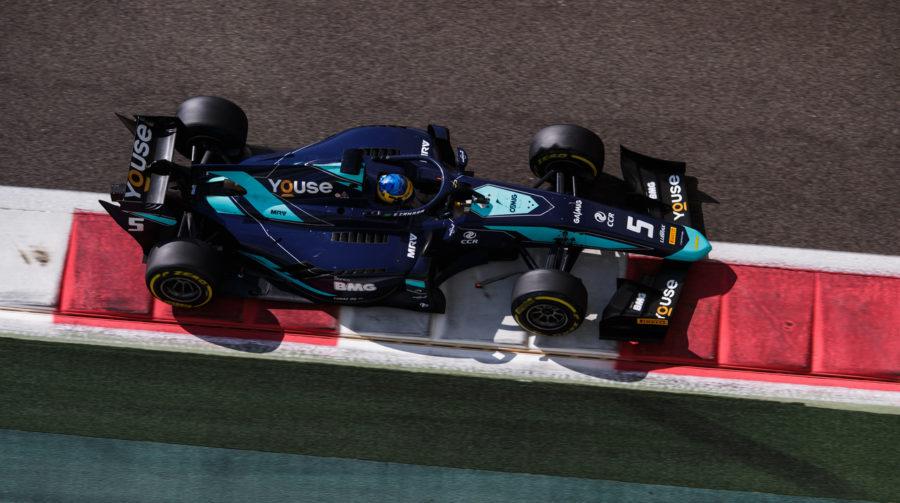 Sérgio Sette apresenta novo carro da temporada 2019 nos testes em Abu-Dhabi pela equipe DAMS (foto: James Gasperotti / Joe Portlock | Divulgação)