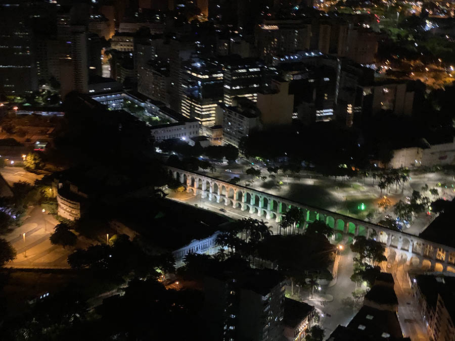 Os Arcos da Lapa localizam-se na região da Lapa, no bairro da Lapa, na Zona Central do município do Rio (Foto: Alan Corrêa)